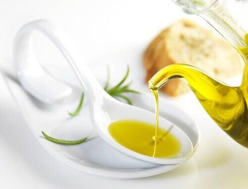 Оливкова олія для зняття макіяжу