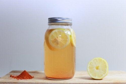 Тонік для схуднення з лимоном і куркумою