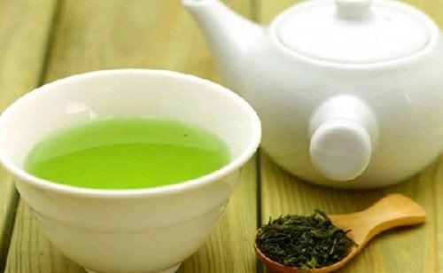 Зелений чай для росту вій