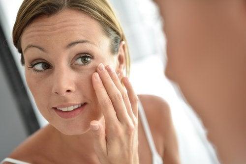 Як зробити шкіру обличчя пружною