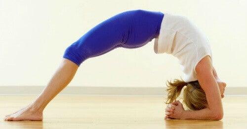 5 асан йоги, що зменшать відчуття тривоги та рівень стресу