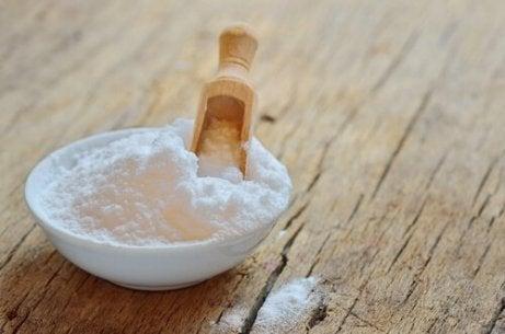харчова сода для лікування грибка нігтів
