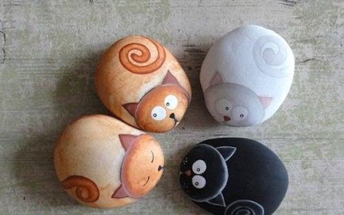 зображення тварин на каменях