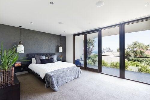 вікна у спальні