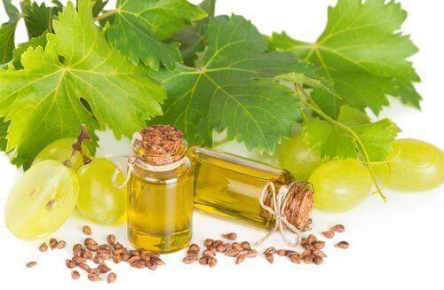 листя вонограду, кісточки та олія