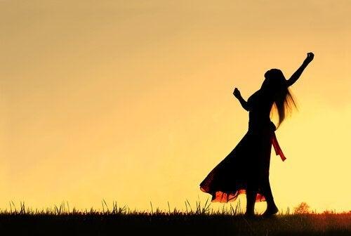 живіть, постійно відчуваючи вдячність