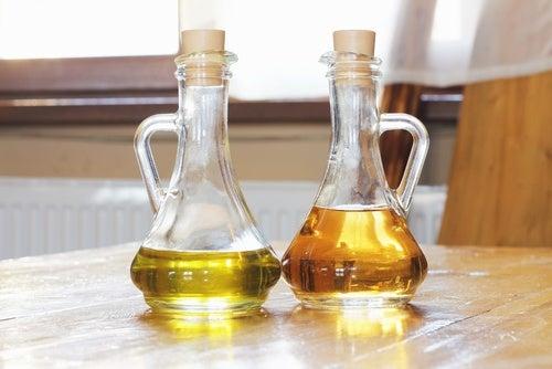 оцет та оливкова олія