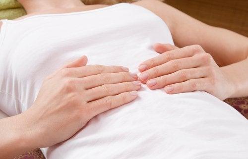 апендицит супроводжується болем у животі