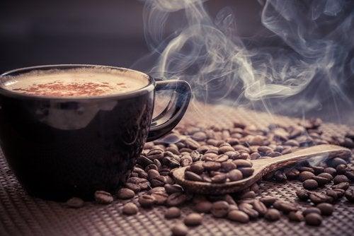 Дослідження встановило, коли найкраще пити першу чашку кави