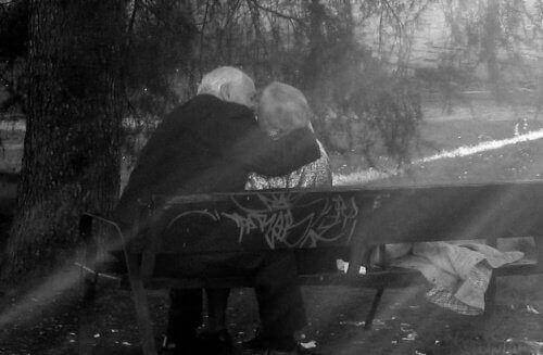 пара похилого віку