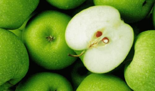 зелені яблукавиводять насичені жири