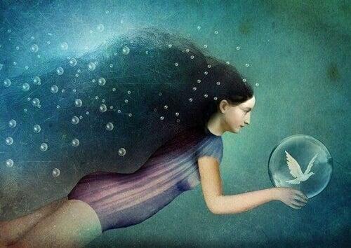 дівчина у бульбашках