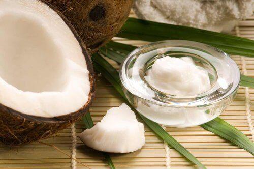 Кокосова олія як натуральний косметичний засіб