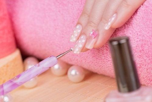 жіночі нігті