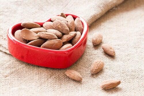 горіхи корисні для серця