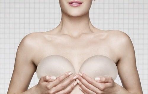 імпланти на мамографії