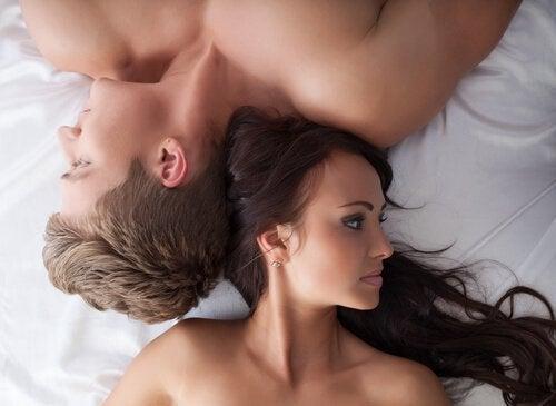пара у ліжку