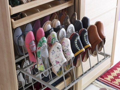 спеціальна шафа для взуття