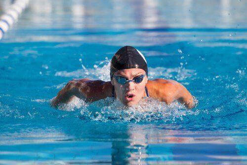 плавання підвищує самооцінку