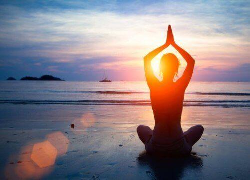 йога на березі