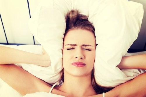 Поширені причини ранкового головного болю