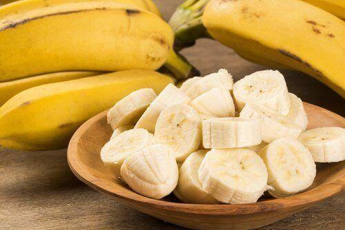 порізані банани