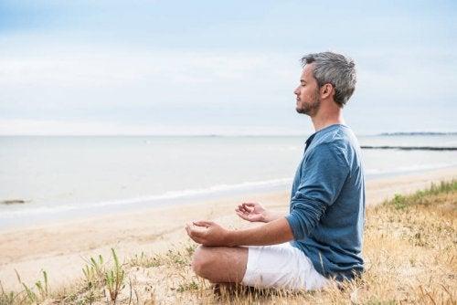 як зняти тривогу за допомогою медитації