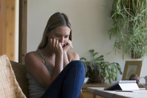 вагінальна сухість може спричинити біль під час сексу