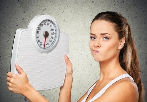 8 причин, чому ви не можете позбутися зайвої ваги