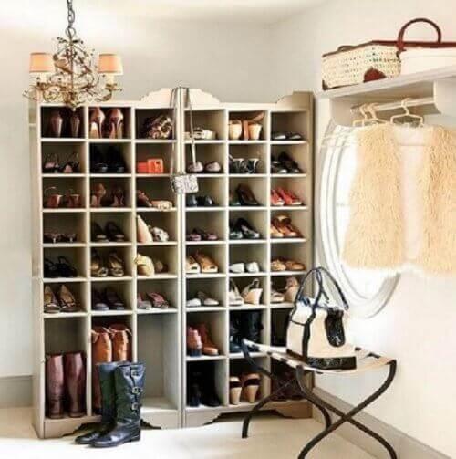 20 креативних ідей для зберігання взуття