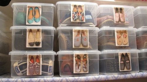 в прозорі коробки можна складати взуття