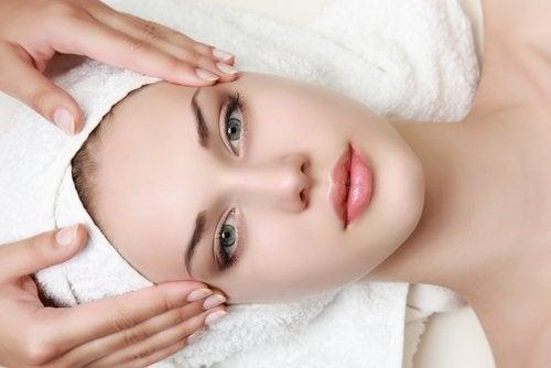 самомасаж допомагає покращити вигляд обличчя