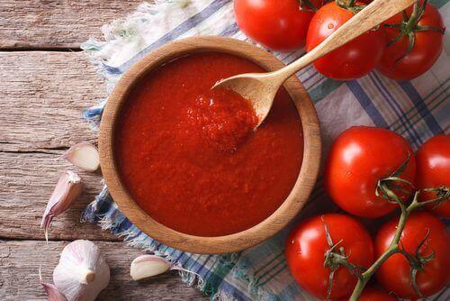 Антиоксидантний та антиканцерогенний домашній томатний соус
