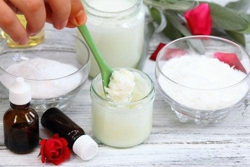 натуральні скраби з кокосовою олією та харчовою содою
