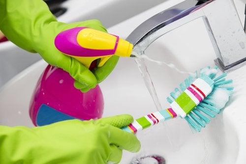 як очистити крани вдома