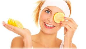 лимонний сік відбілює шкіру