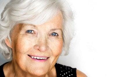 вікові плями на обличчі