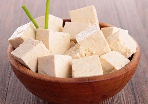 Сир тофу багатий на білки