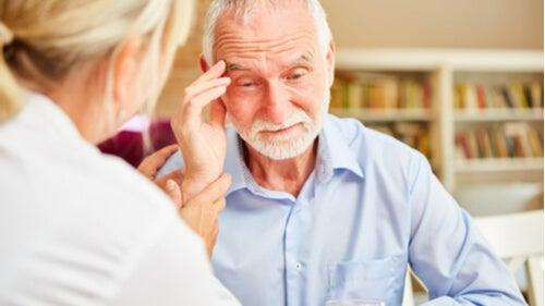8 ознак деменції, які має знати кожен
