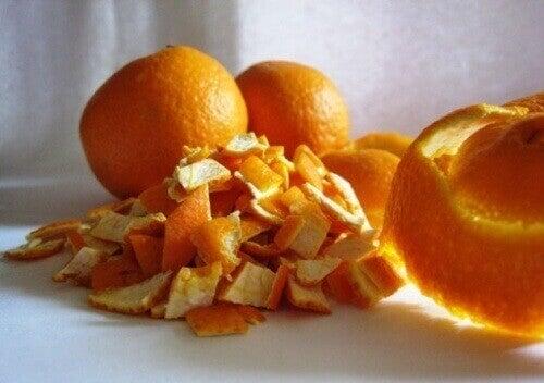 апельсин та апельсинова цедра