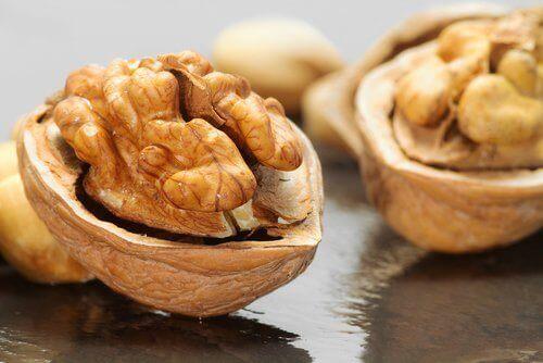 детоксикація печінки горіхами