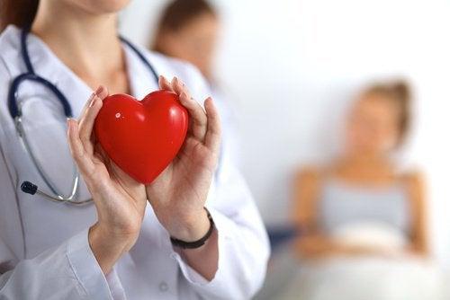 замочений мигдаль для серця