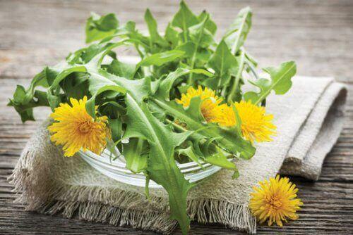 7 натуральних сечогінних засобів, які варто додати до дієти