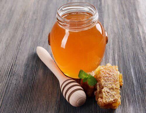 мед як замінник цукру