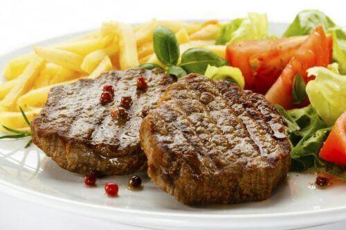 навчіться правильно готувати м'ясо, щоб стати експертом на кухні