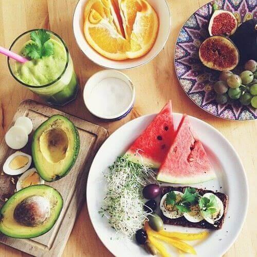 авокадо і кавун