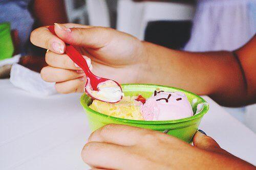 морозиво 'чай з корицею'