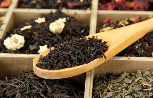 чорний чай для волосся