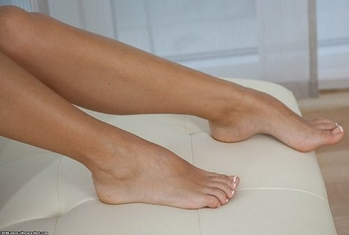 Як запобігти грибку нігтів на ногах