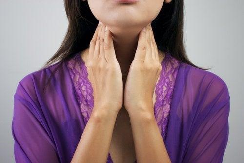 симптоми порушення щитоподібної залози